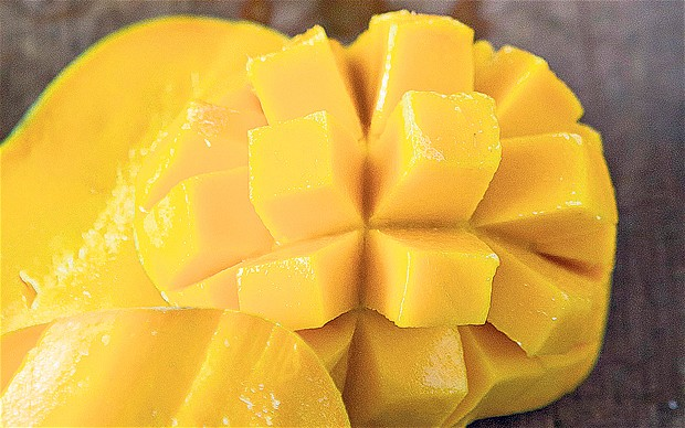 10 ways to use up mangoes